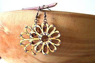 Náušnice - náušnice drevené kvietky - bodkované - 10868970_