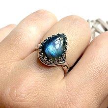 Prstene - Teardrop Labradorite & Silver Ag 925 Ring / Strieborný prsteň v tvare slzy s labradoritom - 10874696_