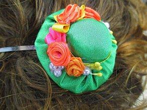 Ozdoby do vlasov - čelenka s klobúčikom - 10873125_