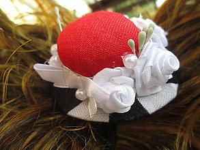 Ozdoby do vlasov - gumička do vlasov s klobúčikom - 10873235_