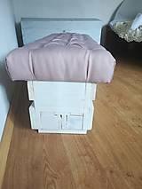 Nábytok - Čalunená lavica z palety - 10873899_