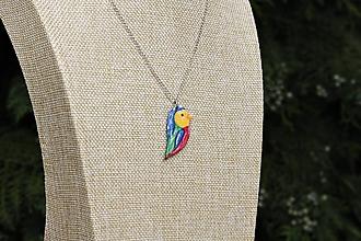 Náhrdelníky - Farebný vtáčik - 10875042_
