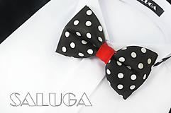 Detské doplnky - Detský čierny motýlik na biele guľky - červené previazanie - 10876996_