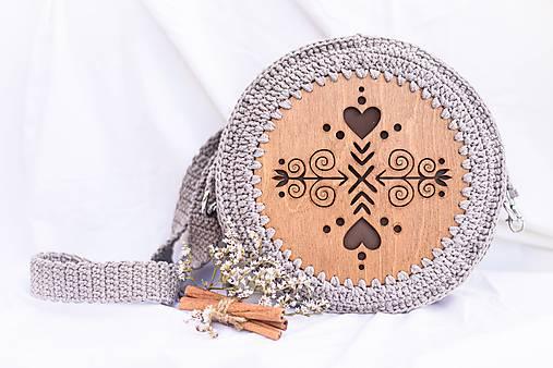 Hačkovano - drevená kabelka (Čičmanca)