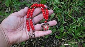 Náhrdelníky - Náhrdelník krátky so srdiečkom Love červený, č. 2764 - 10876765_