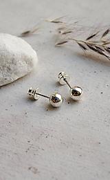 Náušnice - Minimalistické kuličkové stříbrné náušnice Lilu - 10876506_