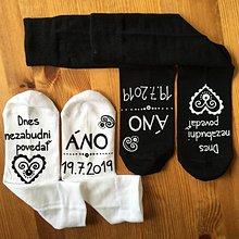 Obuv - Maľované ponožky pre ženícha (sada 2 párov) - 10876322_