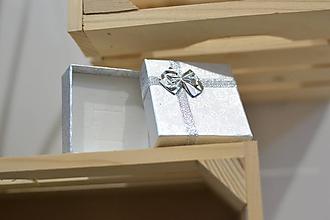 Obalový materiál - strieborná darčeková krabička - 10876518_