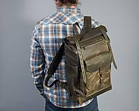 Batohy - Tmavo-olivový batoh z kože a voskovaného plátna. Roll top ruksak - 10878995_