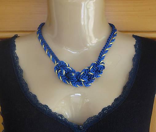 Uzlový náhrdelník z dvoch šnúr (modro zlatý, č 2771)