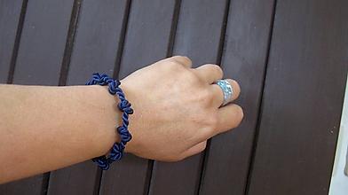 Náramky - Šnúrový uzlový náramok (tmavo modrý, č. 2770) - 10880676_
