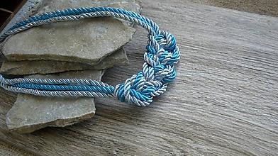 Náhrdelníky - Uzlový náhrdelník z troch šnúr (tyrkysový so striebornou, č. 2777) - 10880845_