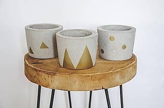 Nádoby - Set maľovaných betónových kvetináčov - 10879015_
