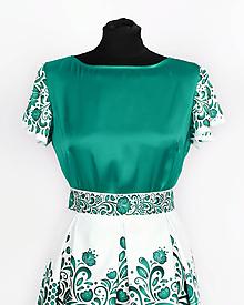 Topy - Saténový top s volánovými rukávmi- potlač FOLK ROSES (smaragdový folk na bielej) - 10878823_