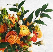 Dekorácie - oranžová gratulačná alebo svadobná kytica z iskerníkov - 10879972_