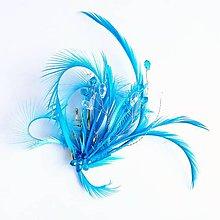 Ozdoby do vlasov - Fascinátor z peria a korálok - 10879600_