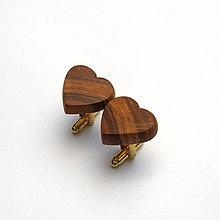 Šperky - Drevené manžetové gombíky - hruškové srdiečka - 10880042_