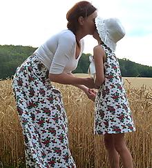 Sukne - Sukňa Babičkovské kvietky na bielej - 10883587_