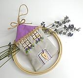 Dekorácie - Romantický levanduľový domček - 10882940_