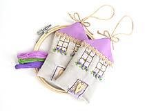 Dekorácie - Romantický levanduľový domček - 10882947_