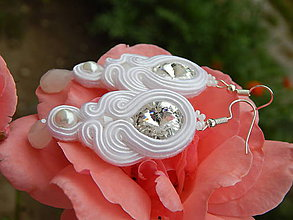 Náušnice - Biele ružičky - 10883157_