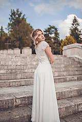 Šaty - Svadobné šaty s V výstrihmi a polkruhovou sukňou - 10882319_