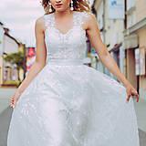 Šaty - Svadobné šaty so srdcovým korzetom a bohatou tylovou vyšívanou sukňou SKLADOM - 10883222_