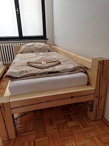 Nábytok - Masívna postel zruboveho charakteru - 10882662_