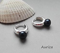 Náušnice - Strieborné masivní náušnice s černými perlami - 10885804_