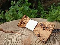 Doplnky - Pánsky drevený motýlik - 10885364_