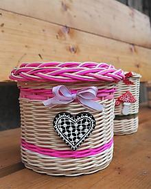Košíky - Malý ružový košík so srdiečkom - 10886050_
