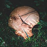 Hodiny - RAW Resin - Čerešňové drevené hodiny - 10886668_