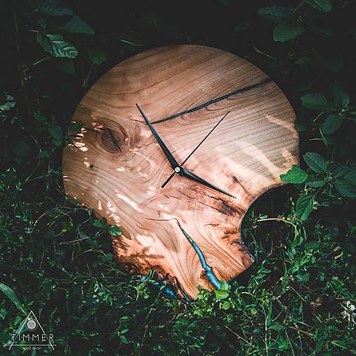 RAW Resin 7 - Čerešňové drevené hodiny