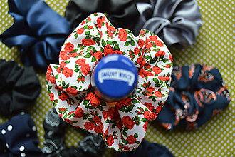 Ozdoby do vlasov - Biela Retrogumička s červenými ružami - POLYESTER - 10886015_