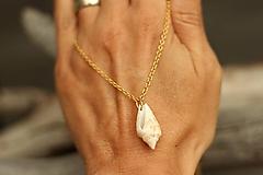 - Retiazka z chirurgickej ocele (zlatá) s mušľou - 10885012_