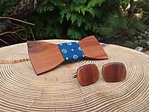 Doplnky - Pánsky drevený motýlik a manžetové gombíky - 10887305_