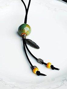 Náhrdelníky - Náhrdelník s keramickými korálkami - 10888035_