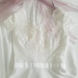 Šaty - Svadobné šaty s V výstrihmi a polkruhovou sukňou - 10887775_