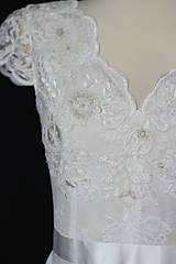 Šaty - Svadobné šaty s V výstrihmi - 10888065_