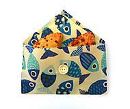 Úžitkový textil - Voskované vrecko s gombíkom - Ryby - 10888151_