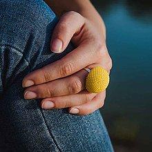Prstene - BUTTON {ball} výrazný žltý prsteň - 10886975_