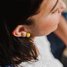 Náušnice - #bobuledousi žlté zapichovačky, perleťové - 10887640_