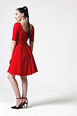 Šaty Midi s kruhovou sukňou červené