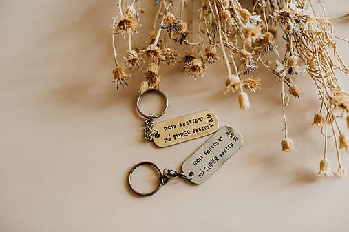 Prívesky na kľúče pre sestry