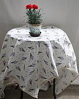 Úžitkový textil - Obrus. Levandulový s ľanovou paličkovanou čipkou. - 10890160_