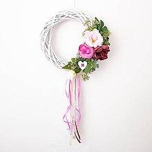 Dekorácie - Romantický venček na dvere - 10891172_