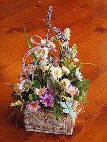 Dekorácie - Dekorácia s levanduľou v dreve s motýlikom - 10890308_