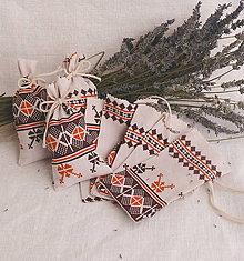 Úžitkový textil - Vrecúško na levanduľu (béžové s ornamentom) - 10891164_