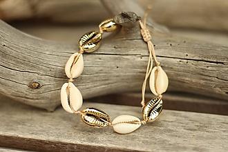Náramky - Náramok z mušlí natural/gold - 10889657_