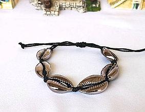 Náramky - Pokovené náramky z mušlí kauri (Čierno-strieborný náramok) - 10890620_